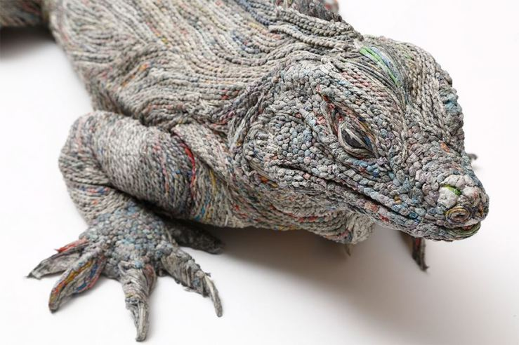 rolled-newspaper-animal-sculptures-paper-trails-chie-hitotsuyama-9.jpg