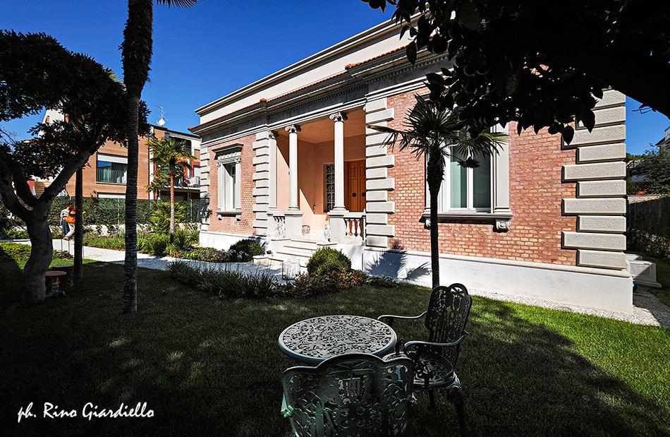 Villa De Lucretiis a Pescara, foto Rino Giardiello