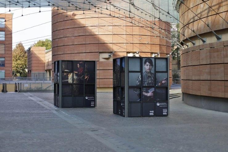 i GIGANTI, Bipielle Arte, installazione 4.jpg